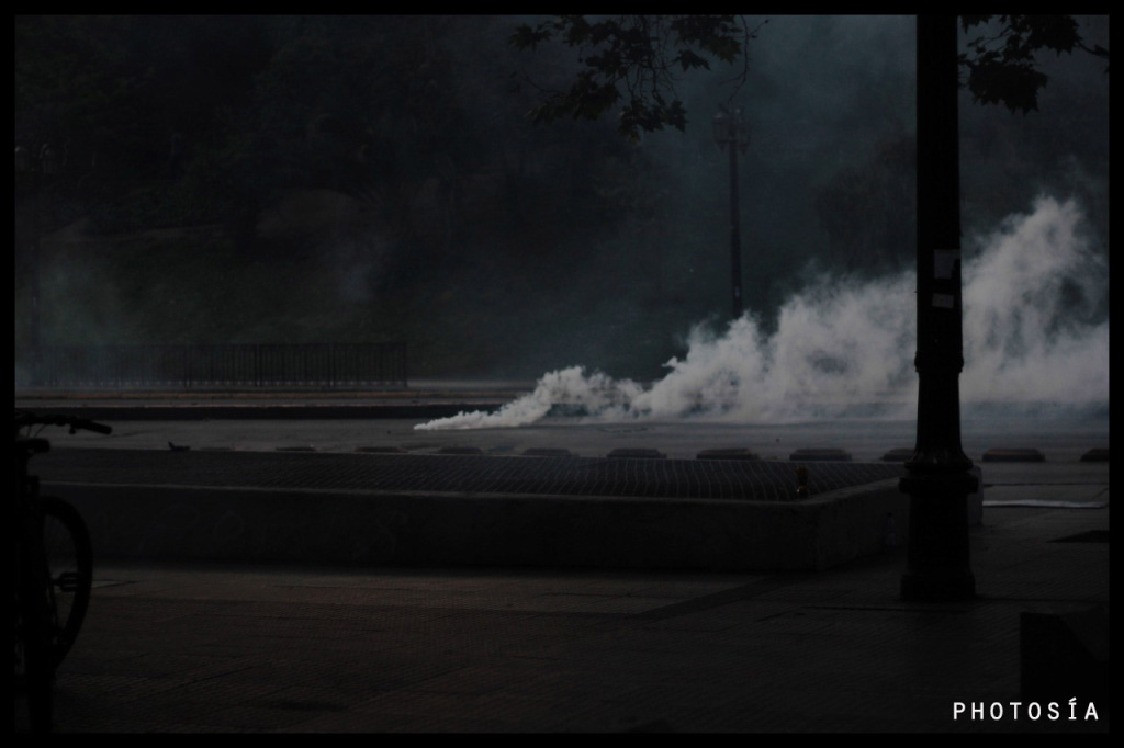 Poesía y fotografía desde el humo por Ninfa María y Anacronicapa