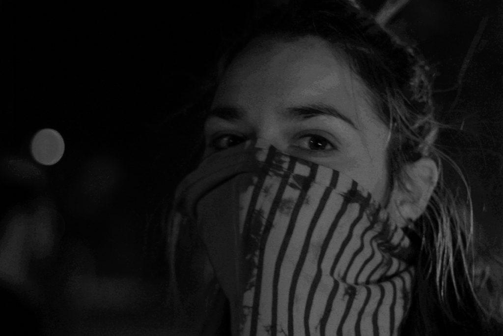 Ana Paula Sanhueza en las marchas en Chile de incio del 18 de octubre de 2019