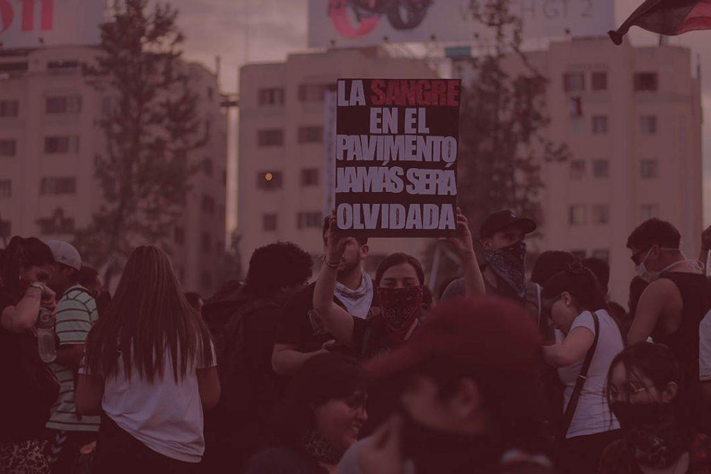 Poemas de resistencia para Chile por Fernanda Martínez Varela