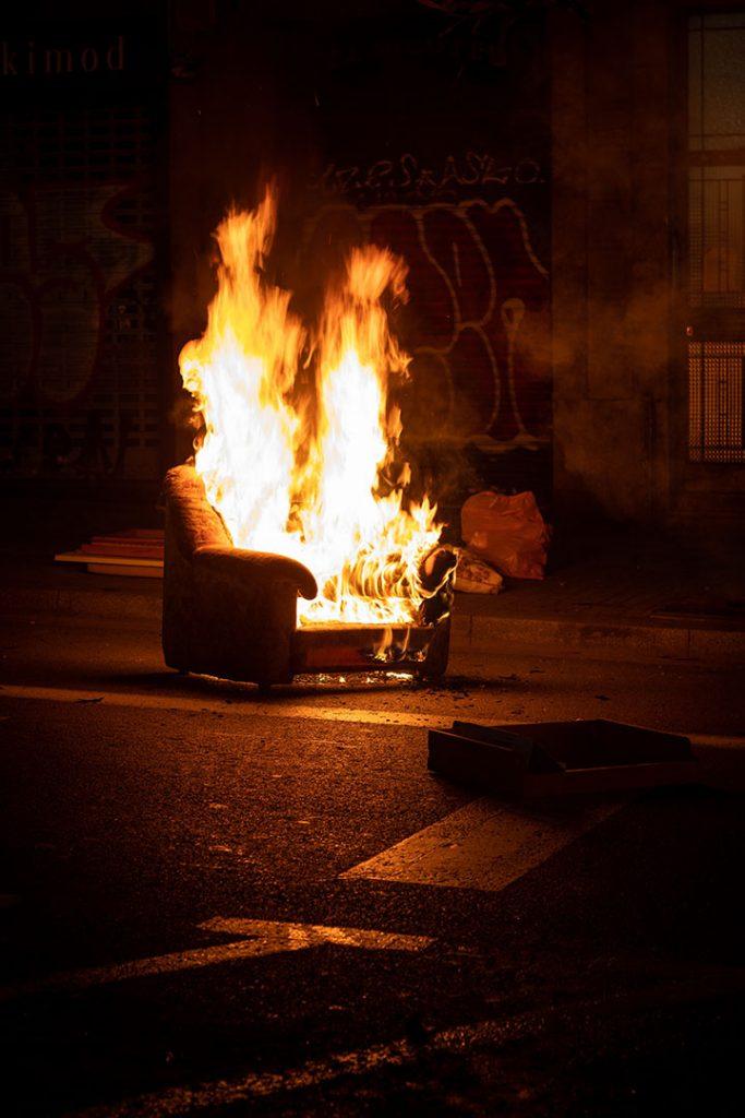 barricada en Barcelona por Pablo Hasél