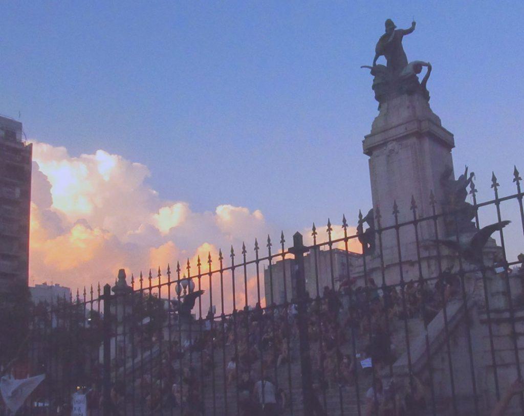 Rugido de mujer en Buenos Aires este 8 de marzo 2021