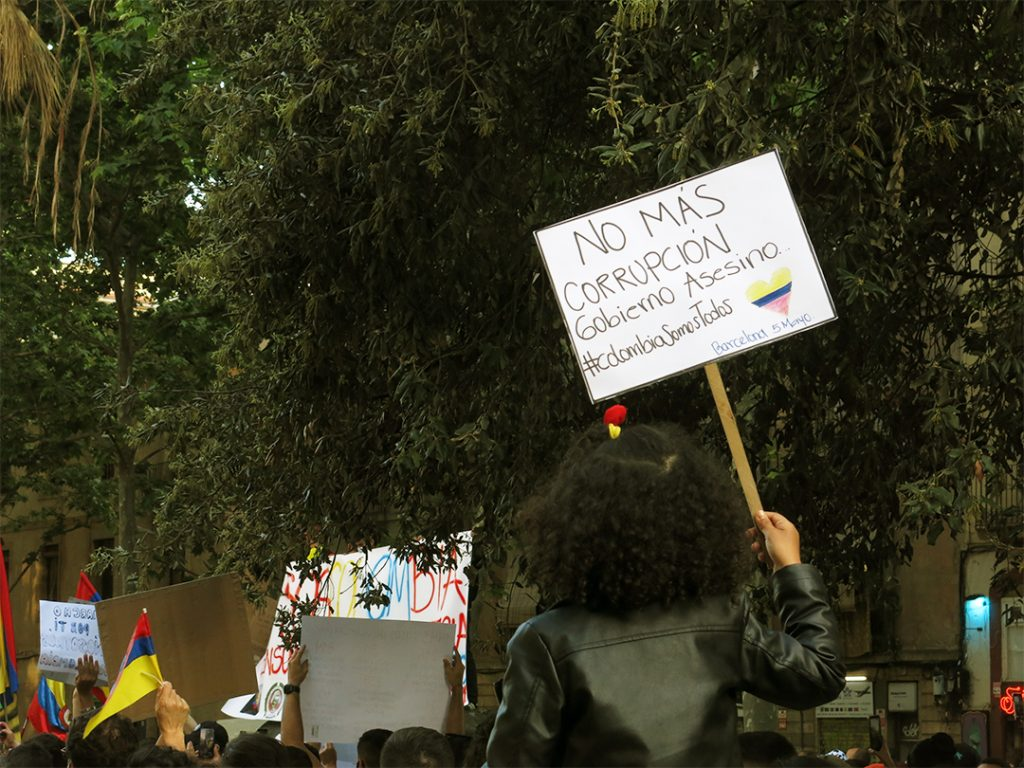 Colombia moviliza cientos de personas en Barcelona