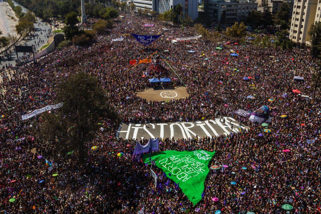 Históricas, fotografía de Sabine Greppo en las manifestaciones del 8M en Santiago de Chile. Feminismo